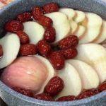 苹果加一把红枣枸杞,养颜美容孩子喝后不再挑食